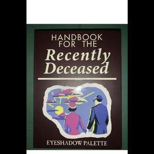 🎨BEETLEJUICE 12 COLOR EYESHADOW BOOK PALETTE